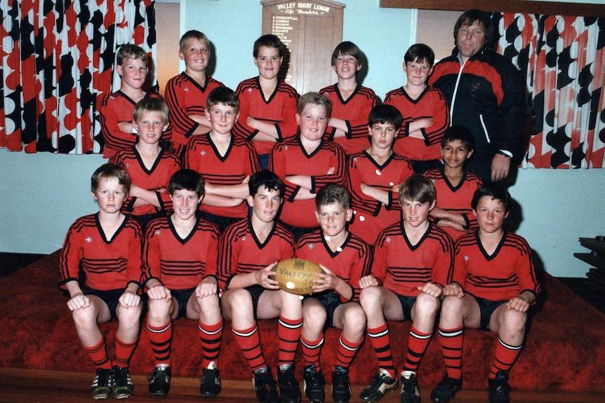 A team photo, it looks aged.