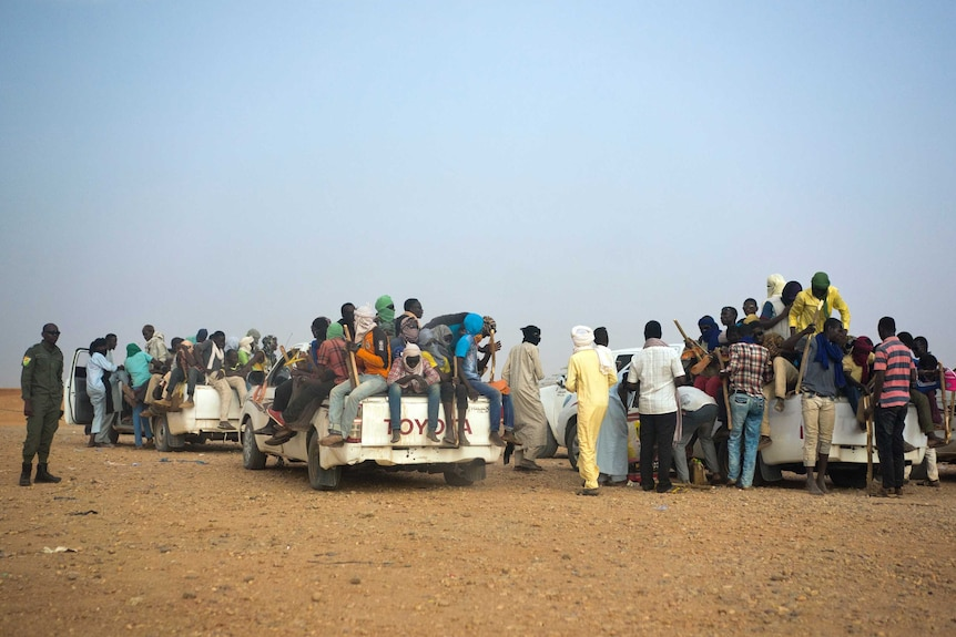 Migrants forced to travel through Sahara Desert without food and water
