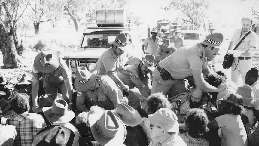 Police break up the blockade at Mickey's Pool arresting 22 people