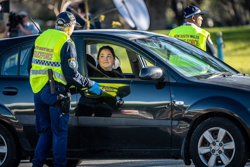 NSW Police checking drivers from Victoria crossing the border on July 9, 2020.