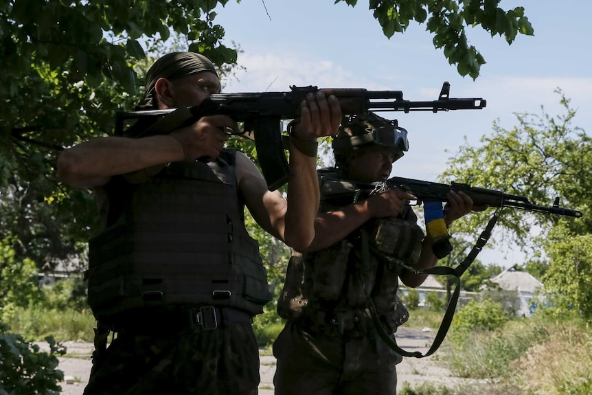 Fresh conflict flares in east Ukraine between military and rebel forces