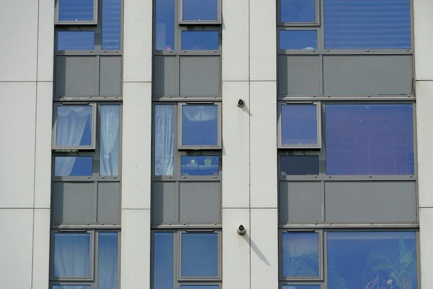 """维州政府说,如果安装不正确,那些禁用的建筑外墙包层产品可能具有""""极高的风险""""。"""
