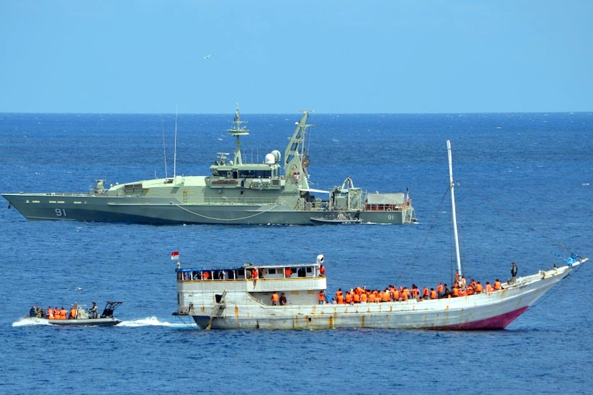 Turn back boats policy is doomed: former ADF chief