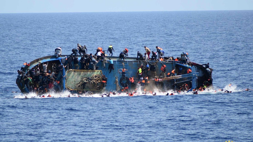 Hundreds thrown in water in capsize