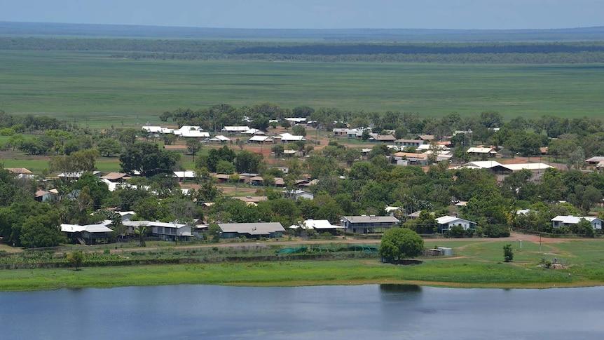 The town of Gunbalanya as seen from the air, with a full billabong.
