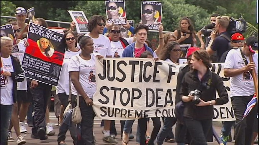 Hundreds rally in Perth to protest deaths in custody.
