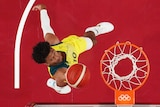 Matisse Thybulle lays it up