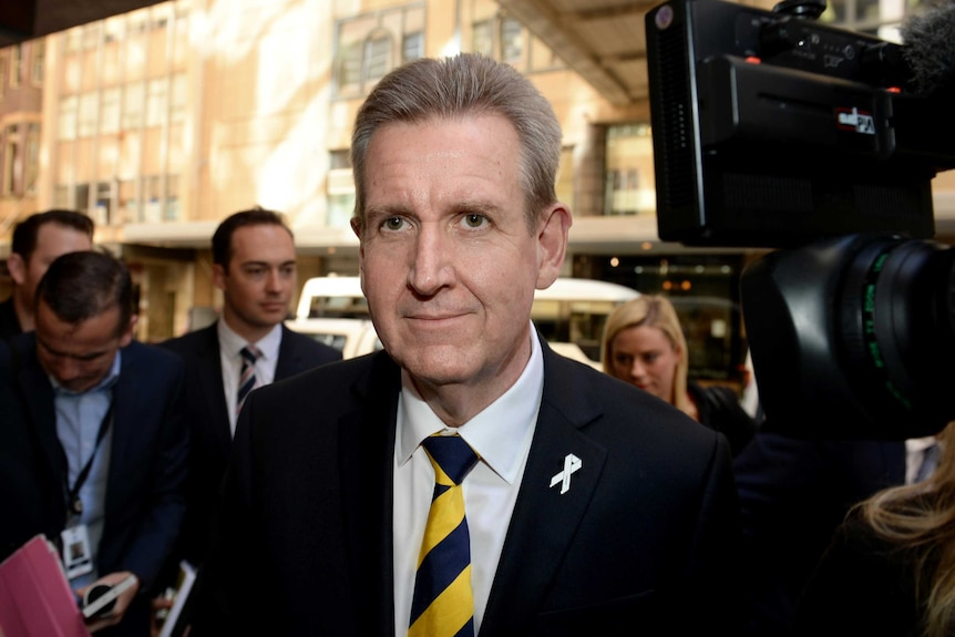 Former NSW Premier Barry O'Farrell apologies for comments he made regarding NuCoal directors.