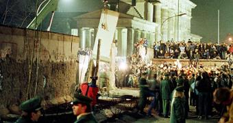 Berlin Wall custom