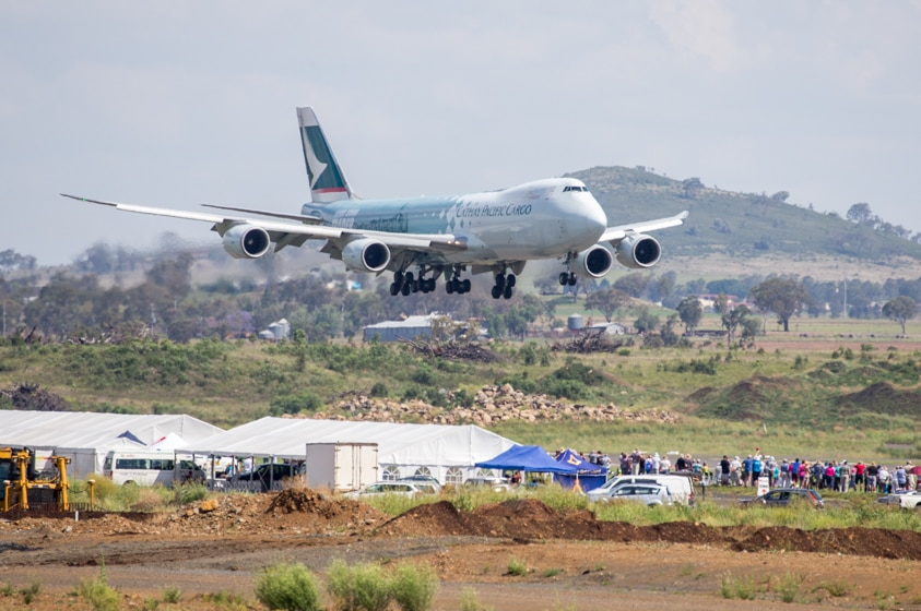 The 747 lands at Wellcamp in front of a large crowd