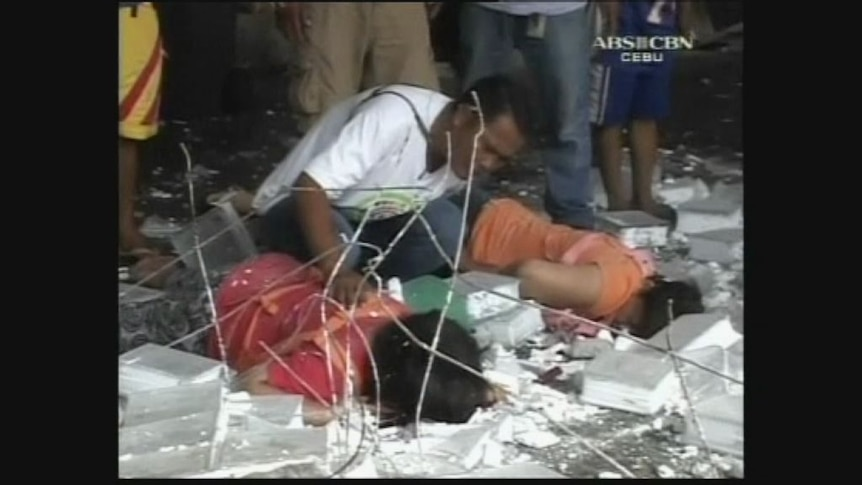 At least 20 dead in earthquake in Philippines