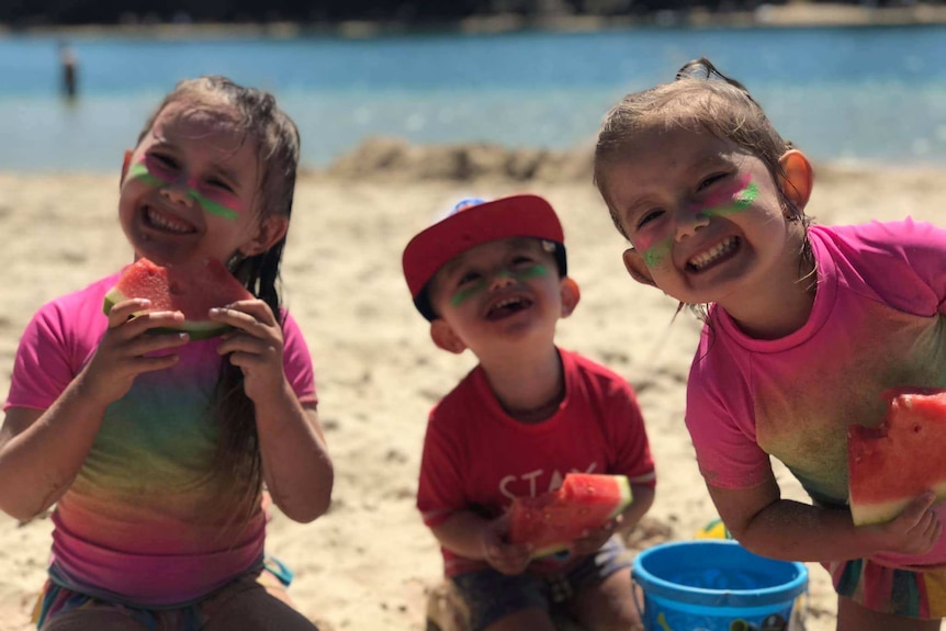 The children of Hannah Clarke and Rowan Baxter - Aaliyah, Trey and Laianah at the beach