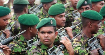 Sri Lankan soldiers before opening of CHOGM