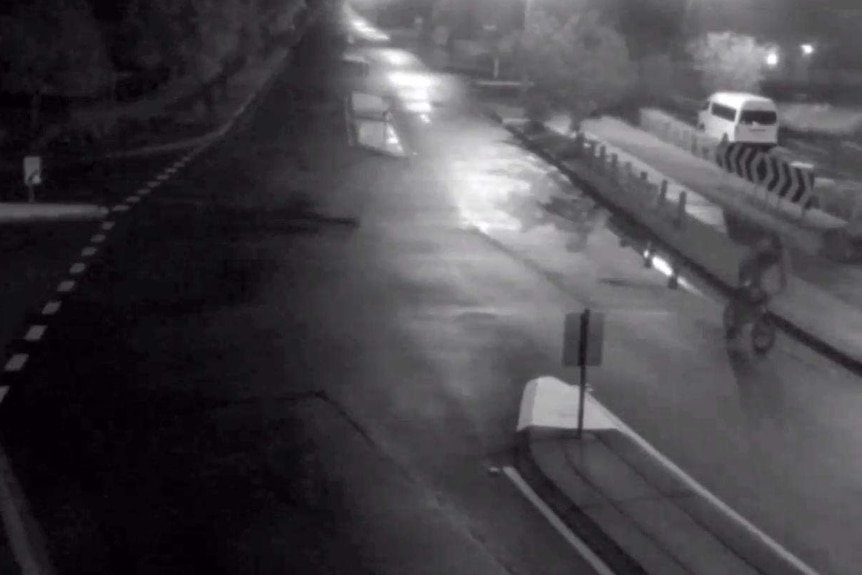 CCTV footage of a man on a bike leaving the scene of an attempted abduction of a 6yo girl at Loganlea.