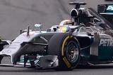 Hamilton leads Chinese Grand Prix