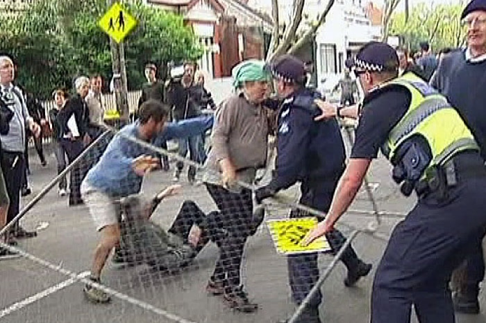 Protesters told not to disrupt test drilling at East West Link