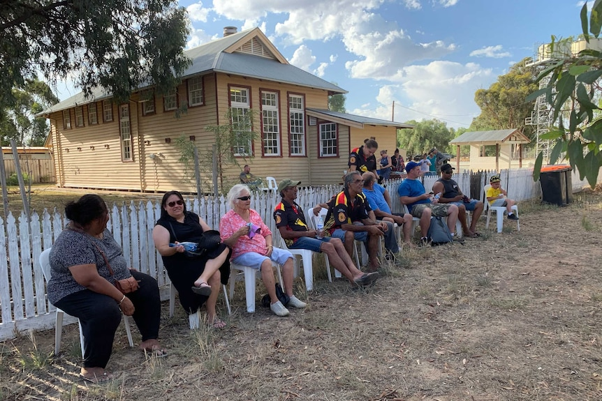 Yorta Yorta people gather in front of the old school house