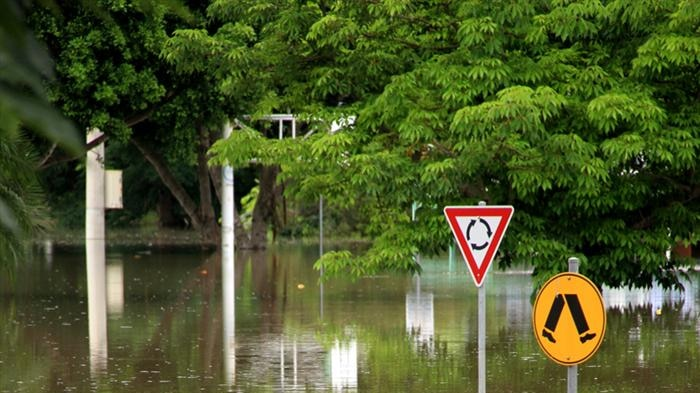 The township of Grantham had not finished cleaning up from Boxing Day flooding when Lockyer Creek rose rapidly again. (File image)