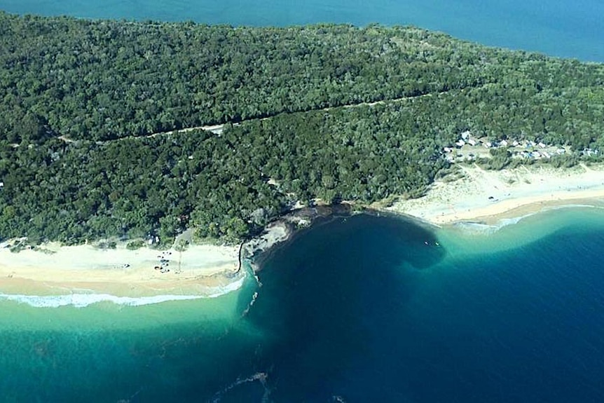 Aerial photo of yhe near-shore landslide at Inskip Point.