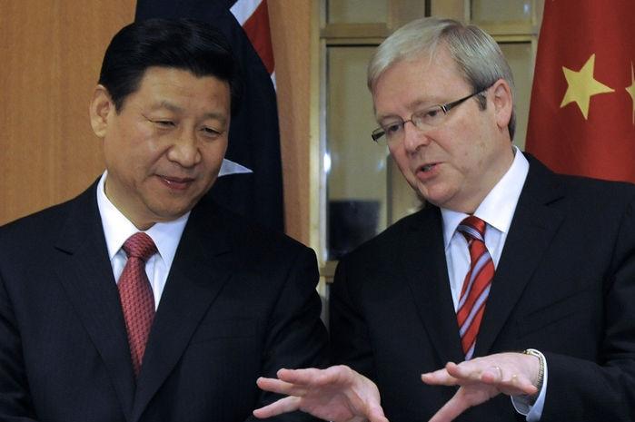 Kevin Rudd speaks to Chinese vice-president Xi Jinping (AAP: Alan Porritt)
