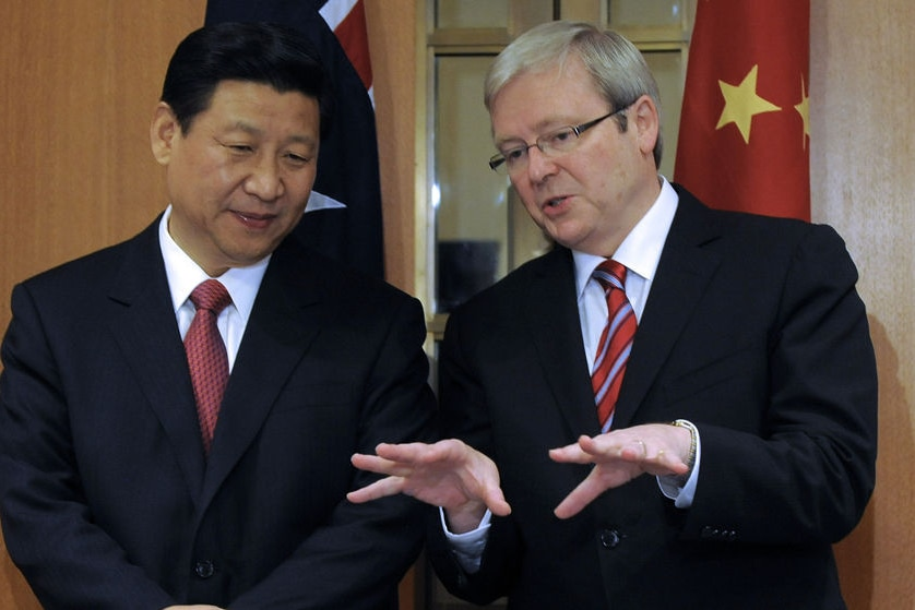Prime Minister Kevin Rudd (right) speaks to Chinese vice-president Xi Jinping in Canberra on June 21