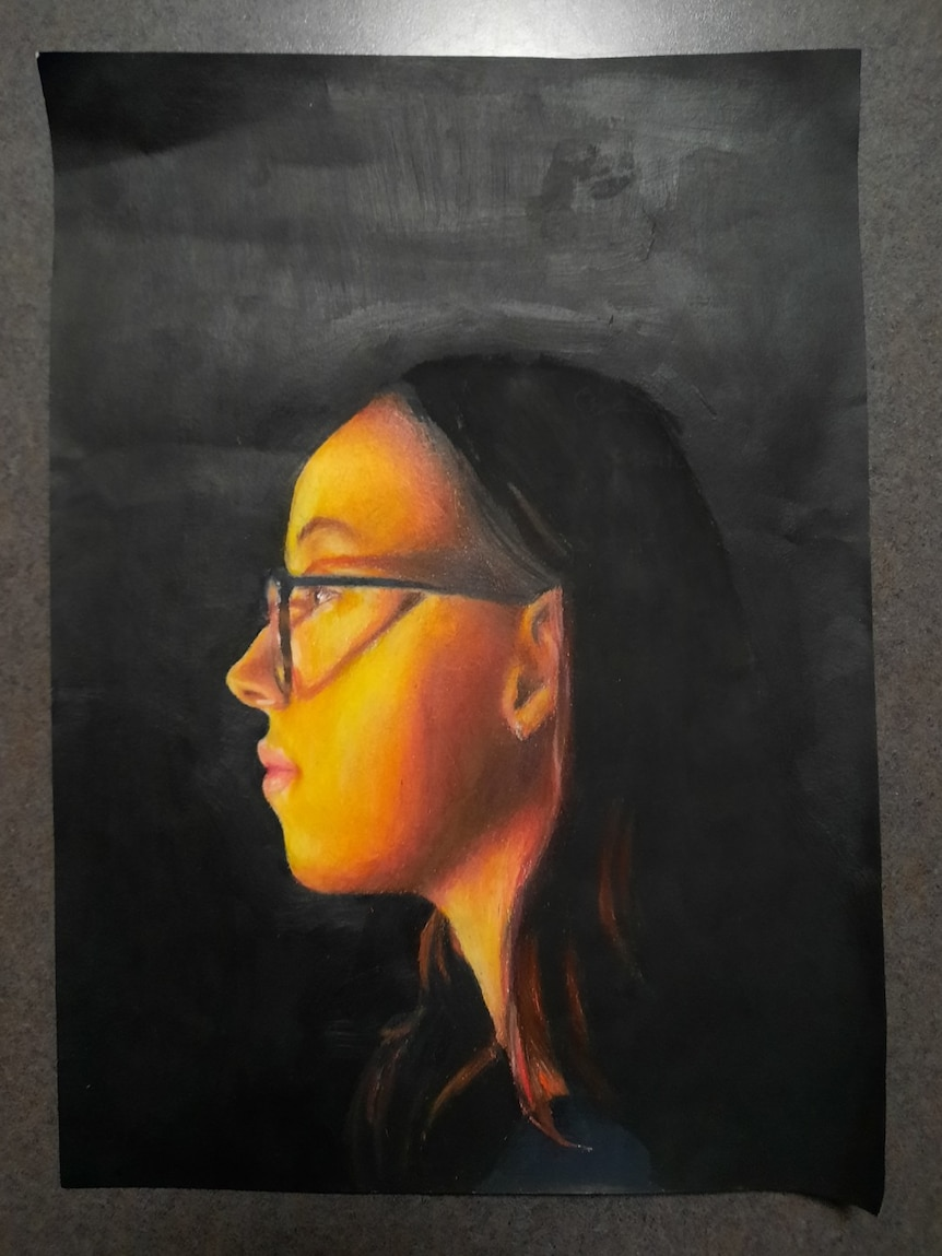 Side on drawing of a young girl