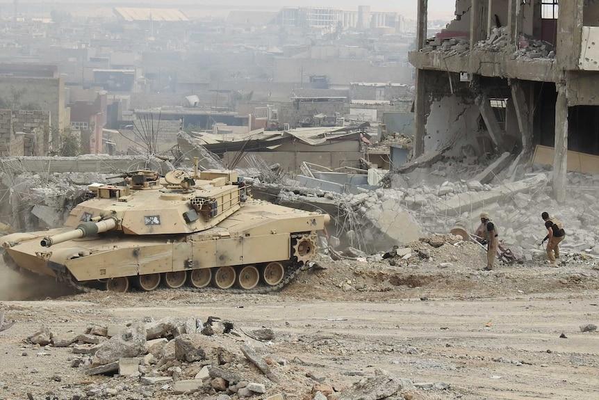 David Eubank trails an Iraqi tank in Mosul