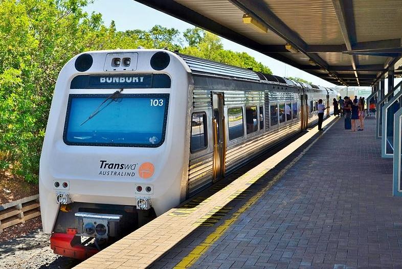 The Transwa Australindawaits its 2:45 pm departure forPerth Railway Stationat the Bunbury Passenger Terminal.