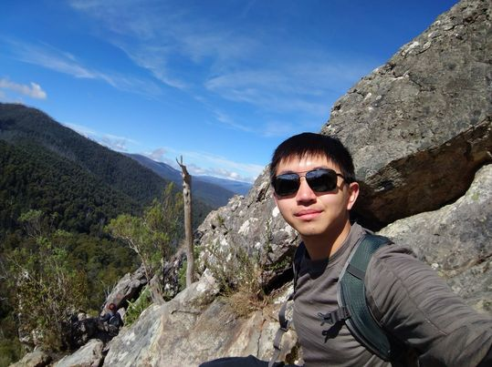 """Joe Wang 的父母因""""飞弹危机""""移民澳大利亚,他表示自己已经习惯北京的军事威胁。"""