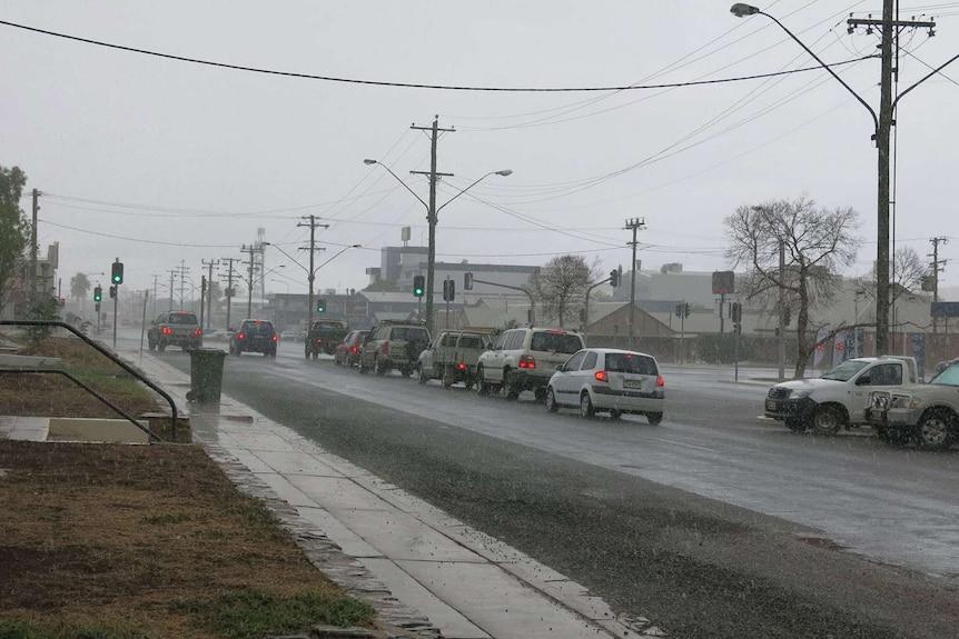 Rain falls in Mount Isa in north-west Queensland