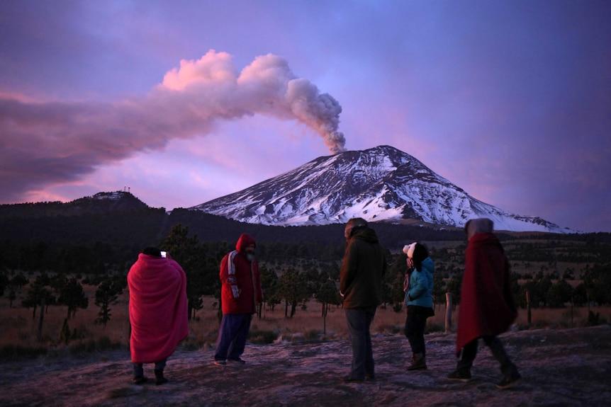Popocatepetl volcano spews ash and steam