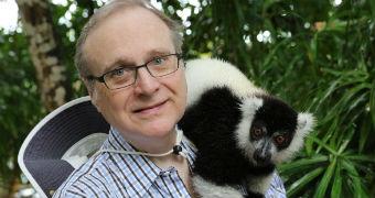 Paul Allen with a lemur on his shoulder