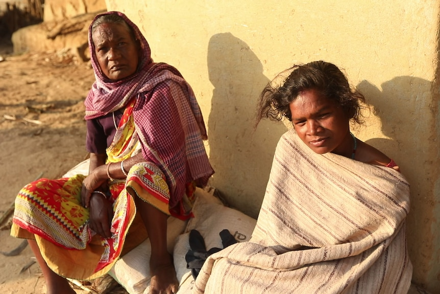 Photo of two Santhal tribeswomen.