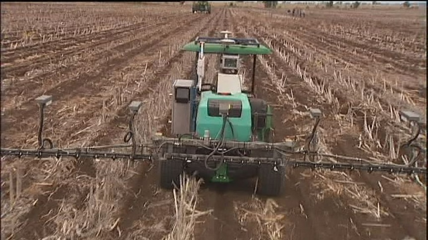 Robots clear weeds at central Queensland farm
