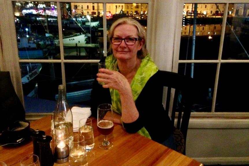 Isabella Murray at a restaurant