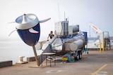 Tidal turbine on crane