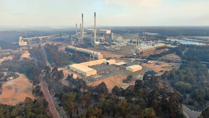 An aerial photo of a coal-fired power plant.