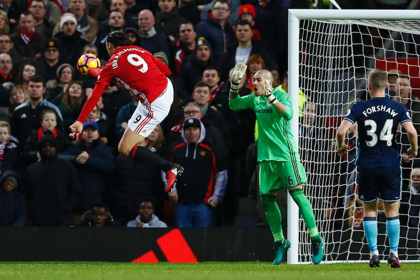 Zlatan Ibrahimovic volleys for Manchester United