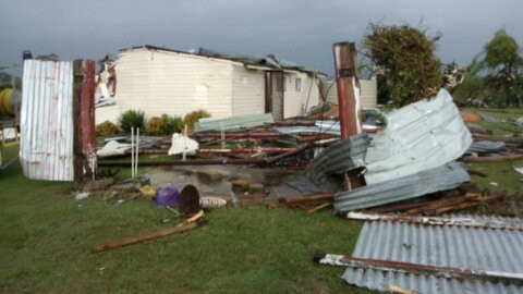 Tornado rips off roof in NSW