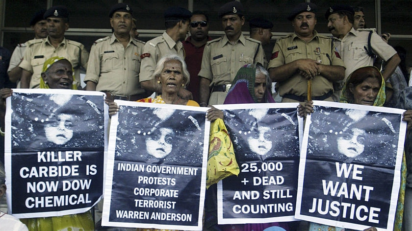 Victims of the Bhopal gas tragedy protest outside the supreme court.