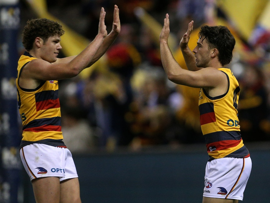 AFL live: Crows out to continue solid start against up-and-down Freo