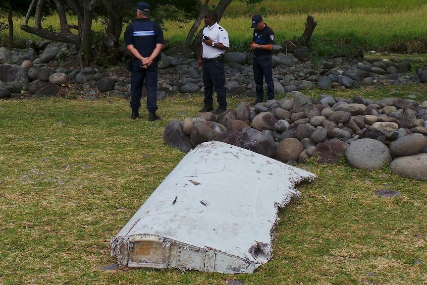 Plane debris found on island of La Reunion