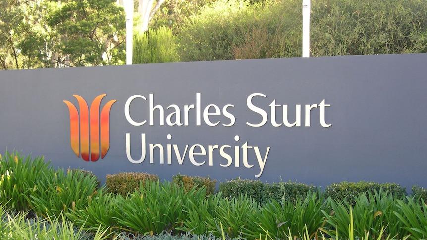 Front sign for Charles Sturt University in Bathurst - Generic April 2012