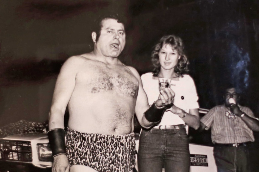 Archival picture of Leon Samson eating a razor blade at one of his shows.