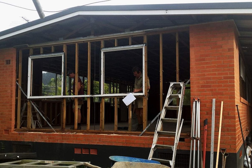 Work underway to renovate house at Edge Hill house in Cairns.