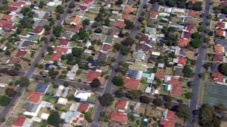 SA welfare groups say the mental health sector is facing a housing crisis.