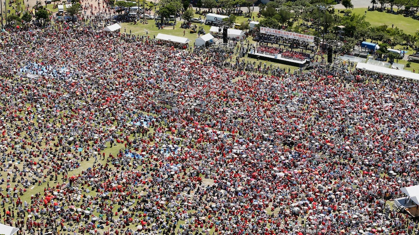 Thousands protest in Okinawa over US aircraft