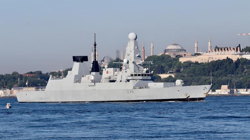 British Royal Navy's Type 45 destroyerHMSDefenderarrives for a port visit in Istanbul