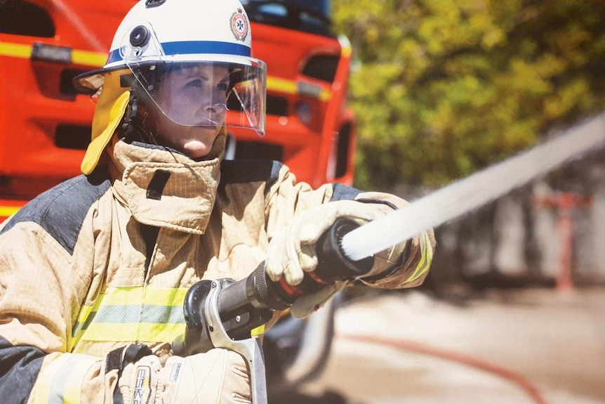 Female firefighters lead the charge for change and urge women not to give  up - ABC News