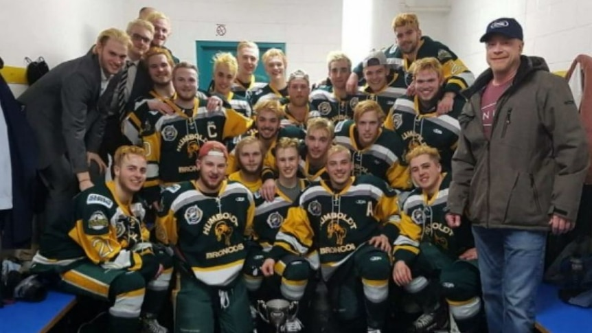 Canadian bus carrying junior hockey team T-boned by truck, killing 15 and injuring 14 people